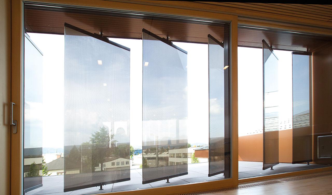 Sonnenstandgeführte Glaslamellen Als Sonnenschutz Rhz Bau Gmbh