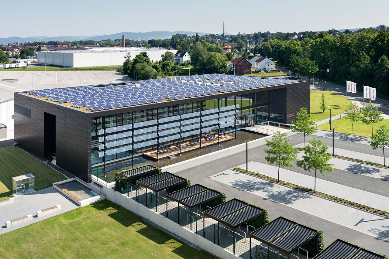 Sun tracking Photovoltaic Louvres - Energy Campus Stiebel Eltron