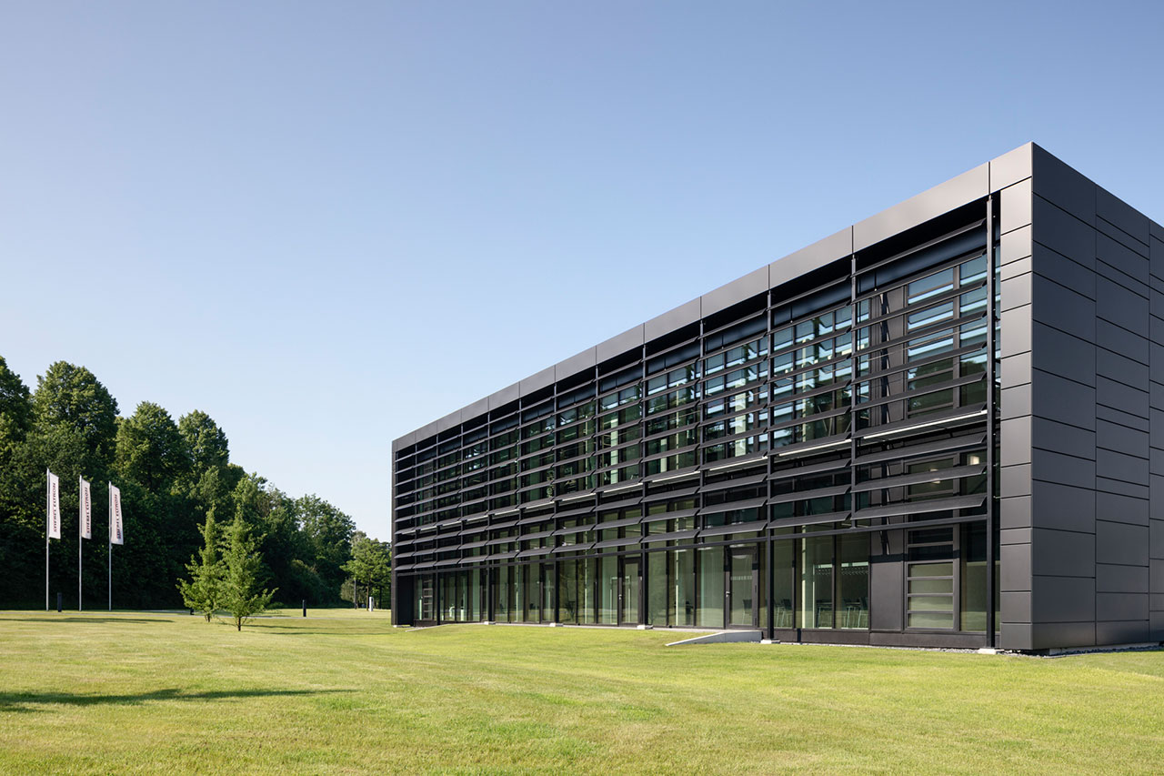 Sun tracking perforated metal louvres  | Energy Campus Stiebel Eltron